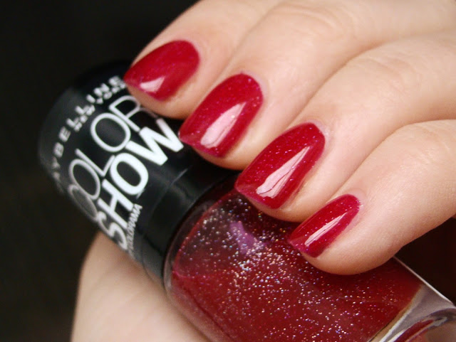 Maybelline-Nagellack-Jelly-mit-Holo-Schimmer-rot