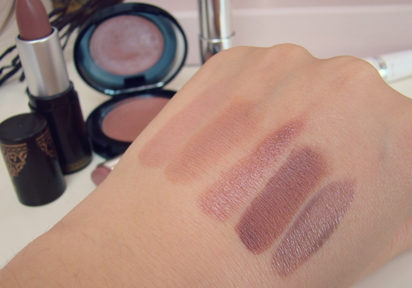 3af46e3d98671 dark nude favorite brown Lipsticks swatches Dior ...